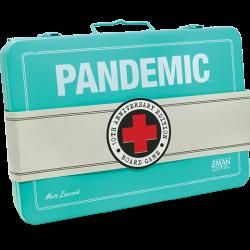 Pandemie 10de verjaardag met geschilderde miniaturen